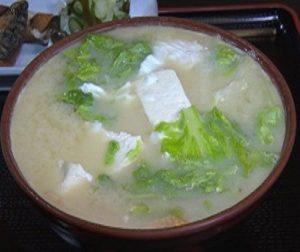 みそ汁亭・秀の白みそ汁定食は具沢山で美味しいと沖縄で評判のお店 ZIP!でも紹介!