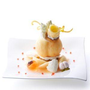タカノフルーツパーラー期間限定!まるごと桃を使った桃のプレートデザート新宿本店