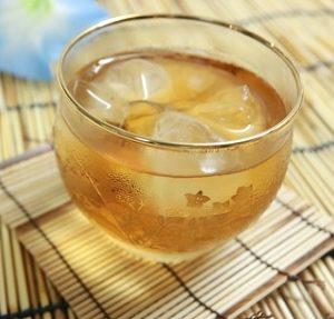 熱中症対策に飲む物には利尿作用が少ないノンカフェインの麦茶が良い