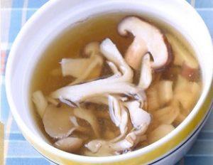 男子ごはんレシピ「きのこの白こしょうスープ」作り方