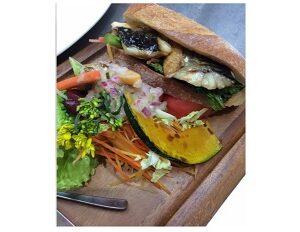 人生の楽園で紹介の野菜たっぷりサンドイッチ cafe copain コパン 東京都江東区